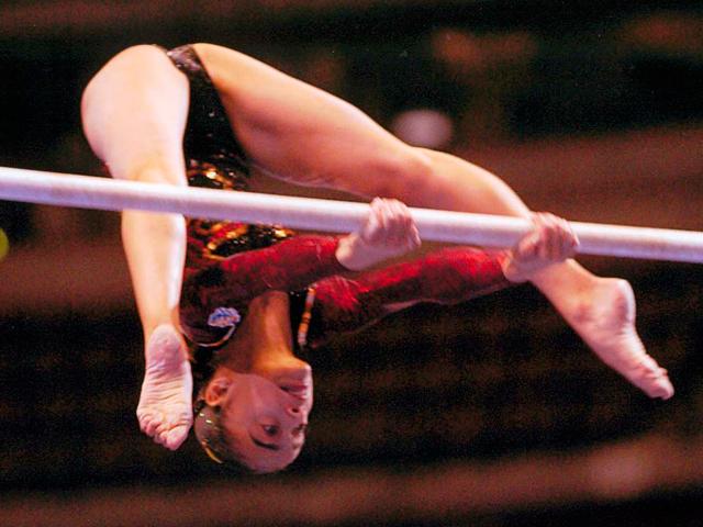 Una de les gimnastes de l'AGAV